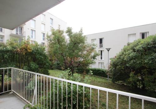 ROMANS - APPARTEMENT T3 AVEC BALCON + CAVE - 2 Chambres